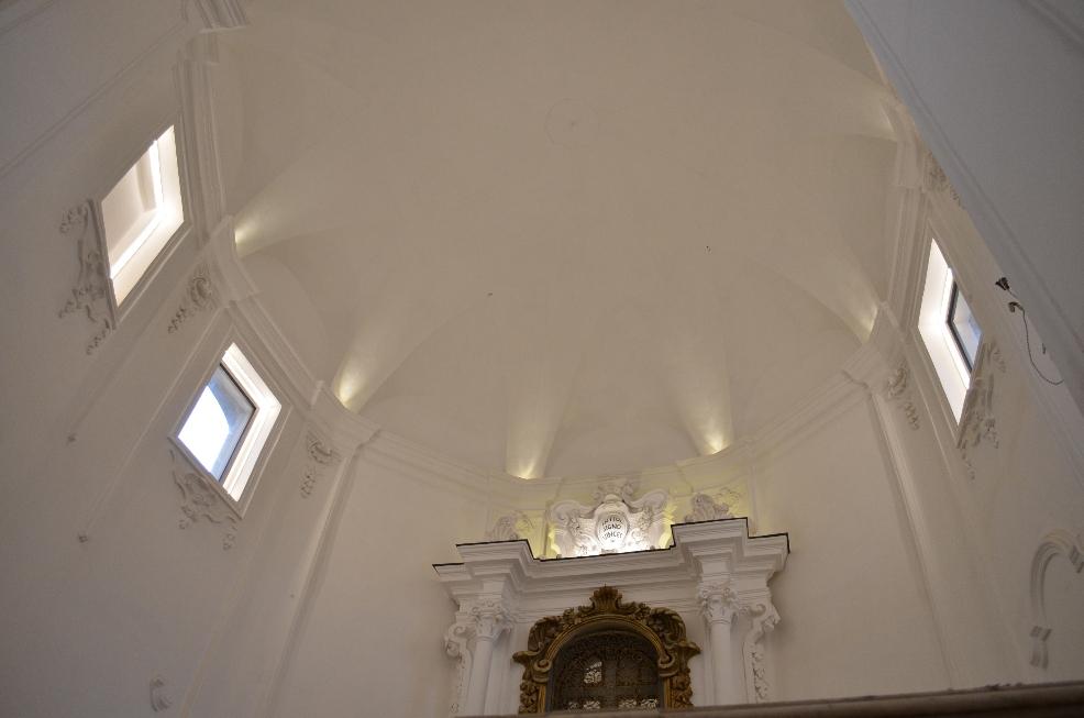 Illuminazione soffitto abside