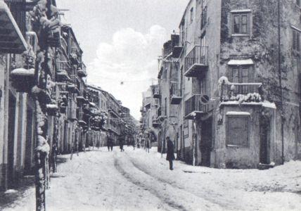 Via VittorioEmanuele dopo la nevicata del 62