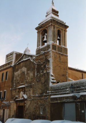 La chiesa dell'Annunziata dopola nevicata del '99