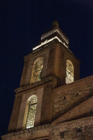 Particolare del campanile con nuovo impianto di illuminazione