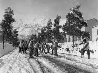 La via Cefalù dopo la nevicata del '61