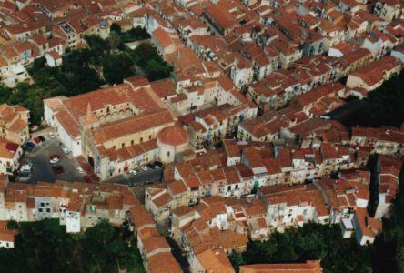 Foto aerea del complesso di San Francesco e relativi giardini