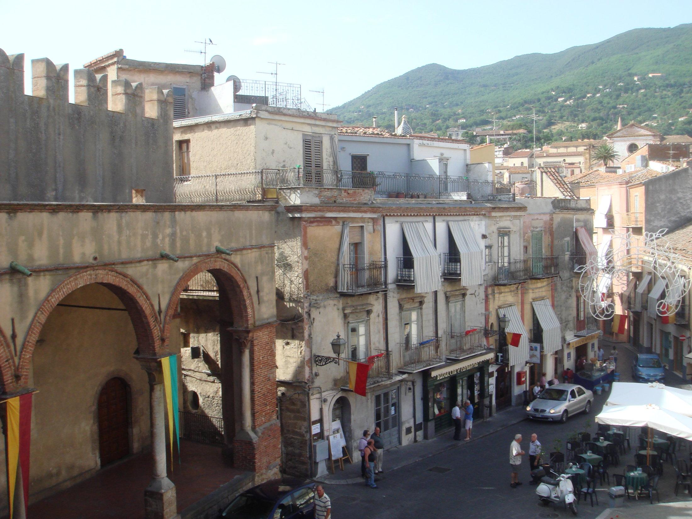 Veduta di piazza Margherita